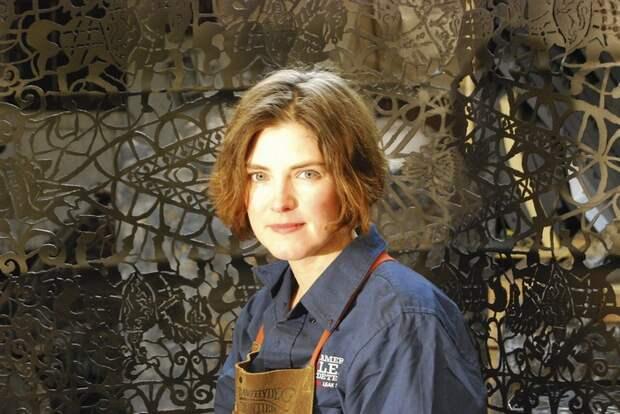 Работа с металлом по-женски. Cal Lane