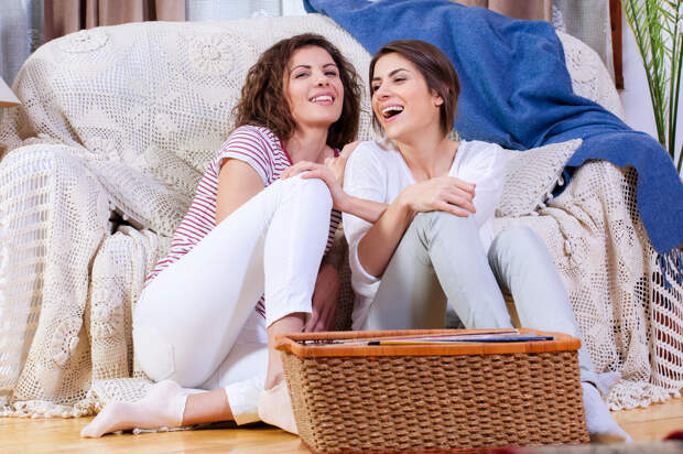 Как помочь подруге, переживающей развод