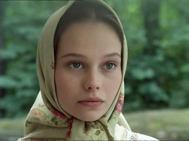 Одна из дебютных ролей Кориковой в фильме «Барышня-крестьянка» (1995 год)