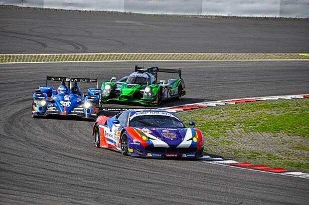 Ferrari F458 команды SMP Racing зачетной группы LMGTE Am. Именно он вывез пилотов Виктора Шайтара, Алексея Басова и Андреа Бертолини в победители и «Ле-Мана», и этапа на «Нюрбургринге».