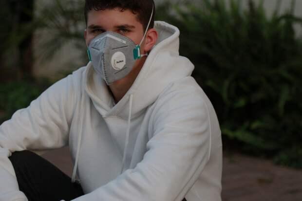 В Севастополе коронавирусное меднаблюдение снято с 1 599 человек