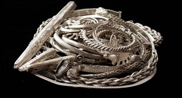 На Старой Рязани нашли клад с украшениями возрастом в тысячу лет