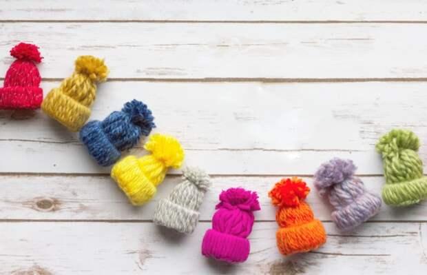 Несколько интересных и недорогих идей новогодних украшений, которые можно сделать своими руками