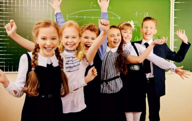 Выплаты на школьников в РФ стимулировали потребительский спрос в августе