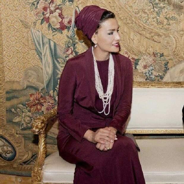 Какие драгоценности носит шейха Моза – одна из самых красивых, богатых и стильных женщин Востока