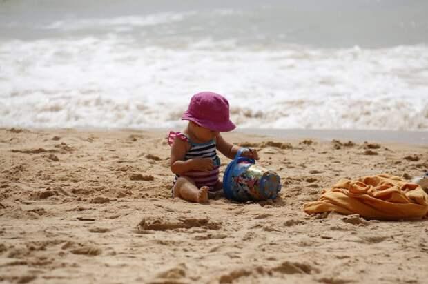 child-playing-1005898_1280-1024x682 Куда поехать на отдых с ребенком: полезные советы