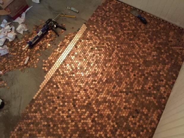 Для тех, у кого скопилось много мелочи: пол из монеток. дизайн интерьера, полы