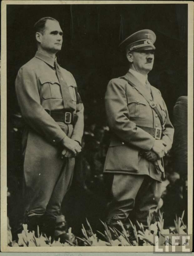 Адольф Гитлер и Рудольф Гесс.jpg