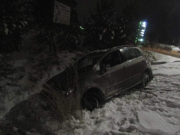 Пьяный водитель устроил ДТП с опрокидыванием в Ижевске