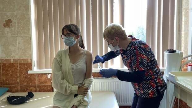 Ревакцинация от COVID-19 началась во всех прививочных пунктах Москвы