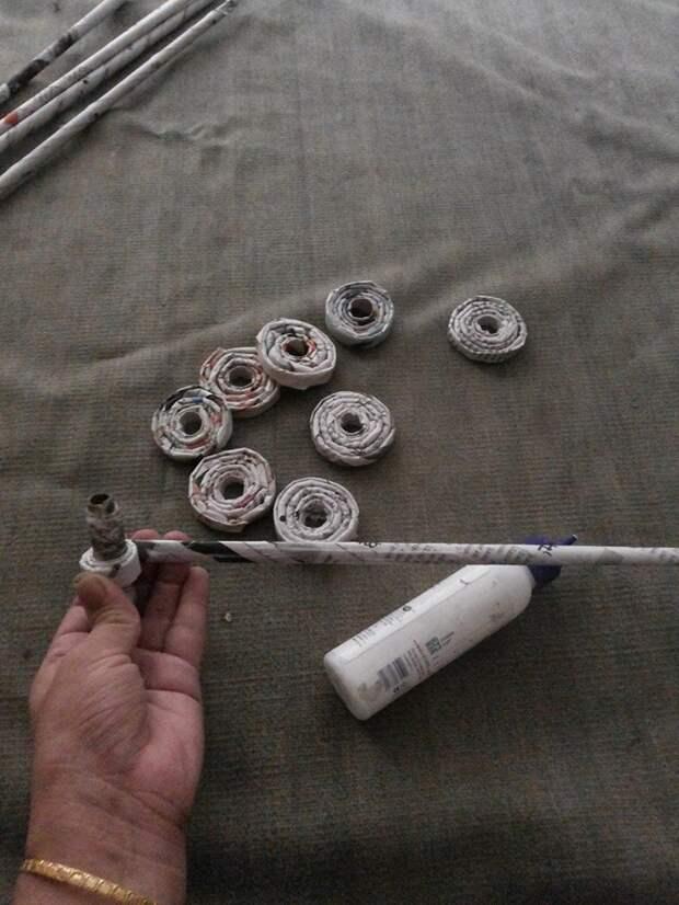 Абажур - плетение из бумажных трубочек.