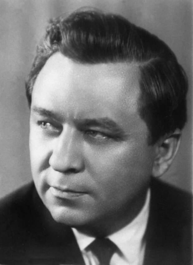 Конон Трофимович Молодый – кадровый советский разведчик-нелегал периода Холодной войны, полковник, действовавший под именем Гордона Лонсдейла./Фото: avatars.mds.yandex.net
