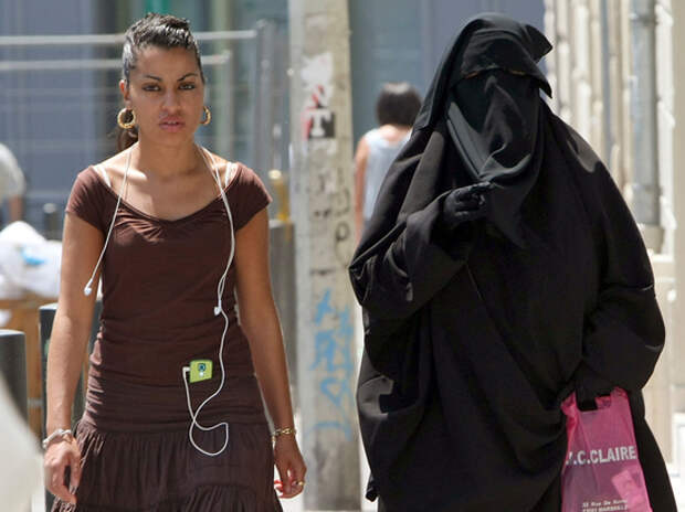 Писательница Чудинова предсказала захват Франции мусульманами