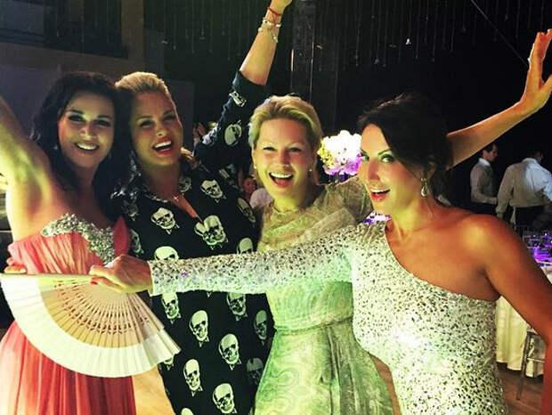 Анна Семенович опозорилась на свадьбе Татьяны Навки