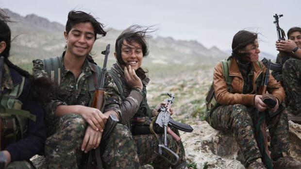 Женские отряды курдской обороны. Курдские отряды милиции YPJ были сформированы в 2012 году, как часть сопротивления наступающим силам ИГИЛ. Они уже прошли множество жесточайших испытаний, которые даже не могут себе представить воины других армий. Кроме того, эти отряды имеют большое психологическое давление на бойцов ISIS — те считают, что вход в рай закрыт убитому женщиной солдату.