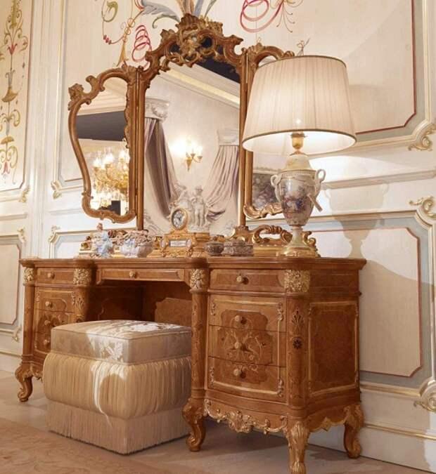 Античная мебель