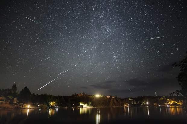 """""""Падающие звёзды"""" озаряют ночи августа. Метеорный поток Персеиды"""