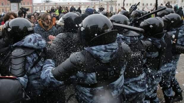 Вы хотите умыть улицы России кровью революции?