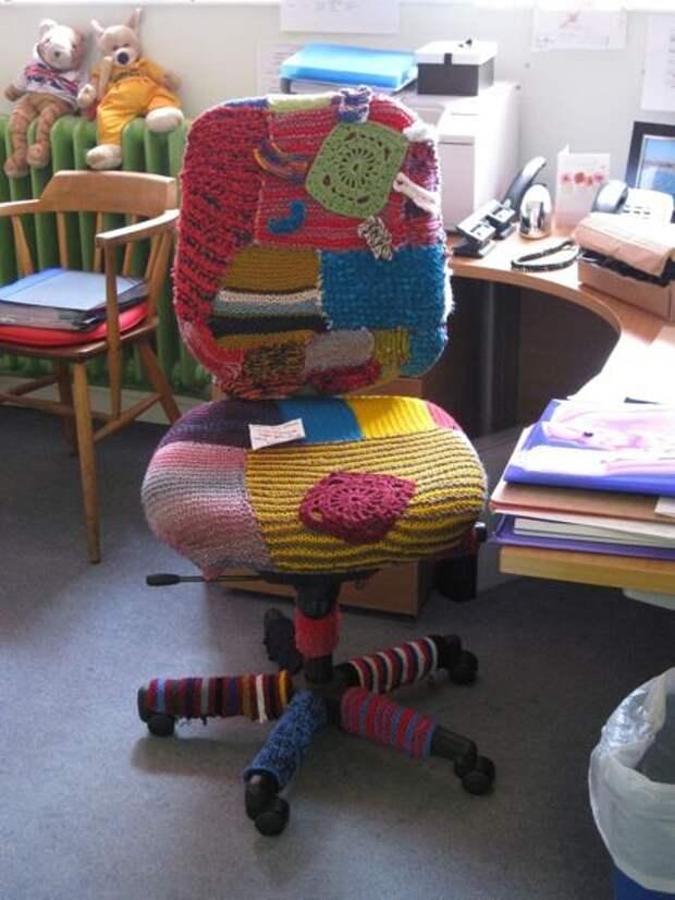 Вязаные чехлы для кресел - идеи для творчества