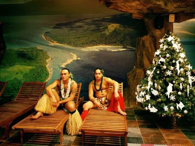 Причудливый мир фальшивых туристических курортов для тех, кто хочет отдохнуть, не выезжая из родной страны