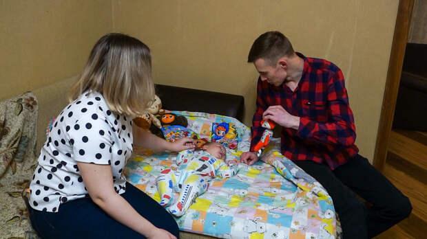 С начала года 73 студенческие семьи Удмуртии получили 100 тыс рублей при рождении ребенка