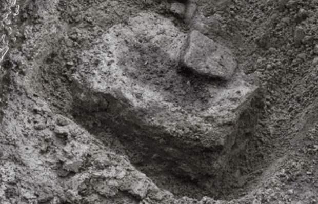 Загадочные следы стоп: отпечатки на острове Калверт в Британской Колумбии.