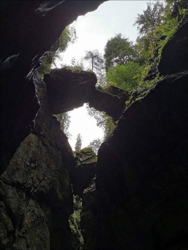 Опасные камни на высоте