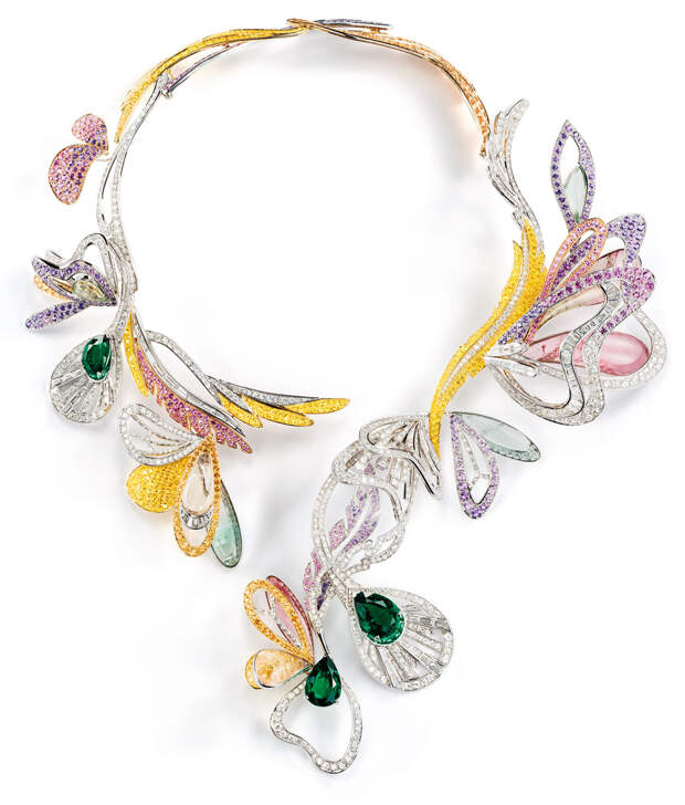 Boucheron Bouquet d' Ailes necklace set with emer