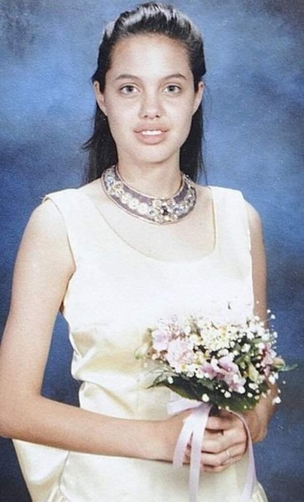 Анджелина Джоли (фотография 1988 года)