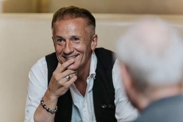 Олег Меньшиков отмечает юбилей