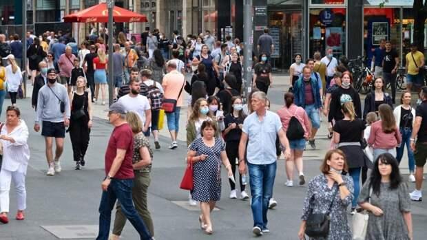 Заболеваемость в Германии растет вторую неделю подряд: стоит ли ожидать новый локдаун?