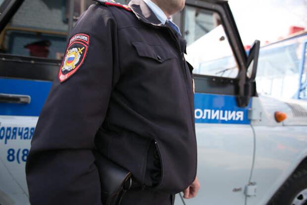 В Казани из внедорожника выбросили девушку прямо на ходу