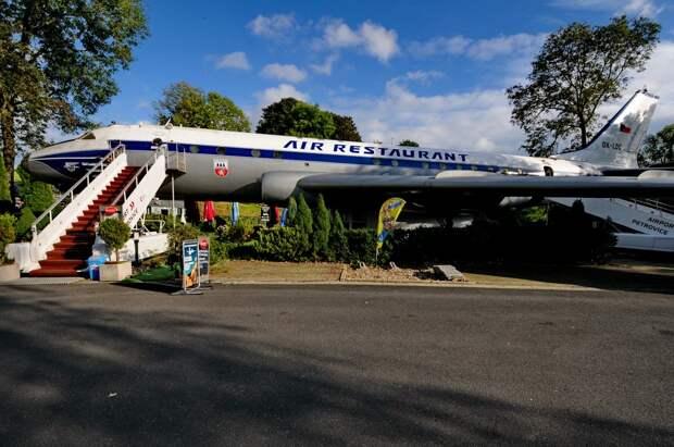 Самолет Ту-104 Чешских авиалиний в Петровице