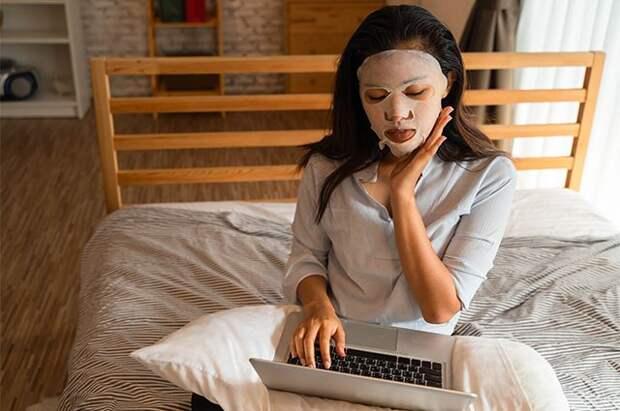 Как улучшить цвет лица, если вы постоянно сидите дома