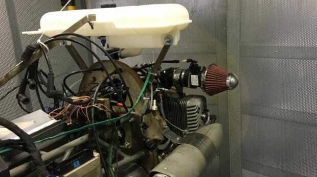 Двигатель производства Итлана на испытательном стенде