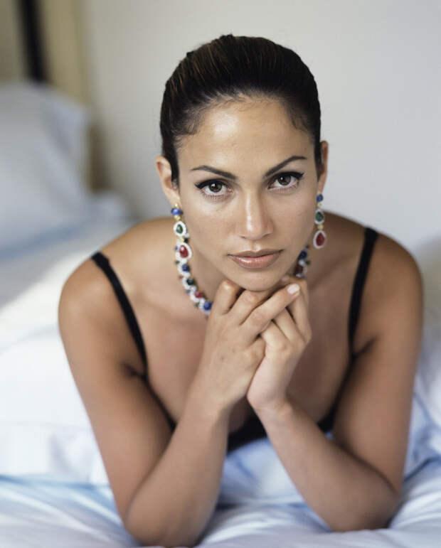 Дженнифер Лопес (Jennifer Lopez) в фотосессии Фируза Захеди (Firooz Zahedi) для журнала Vanity Fair (1998), фотография 8