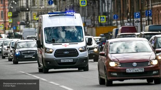 Скорая сбила женщину на пешеходном переходе в Петербурге