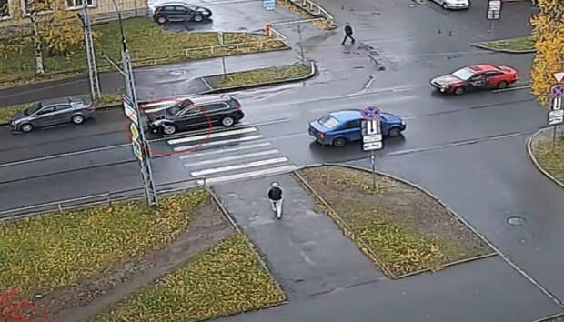 Школьника сбили сегодня днем на пешеходном переходе в Петрозаводске