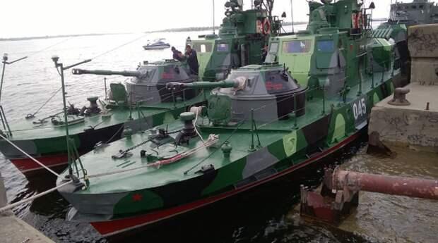 «Трепещи Украина, наш флот идет в Азовское море!» — началась переброска военных катеров с Каспия