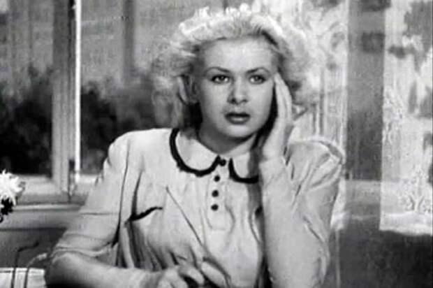 """Валентина Серова. Кадр из """"Сердца четырёх"""" (1941)"""