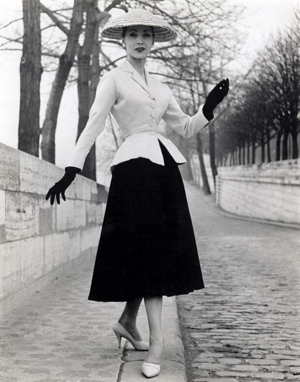 Christian Dior 1946