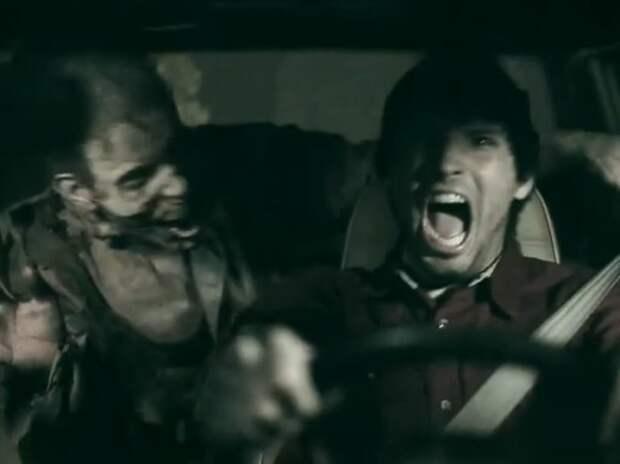 Водителям напомнили о ремнях безопасности с помощью зомби (ВИДЕО)