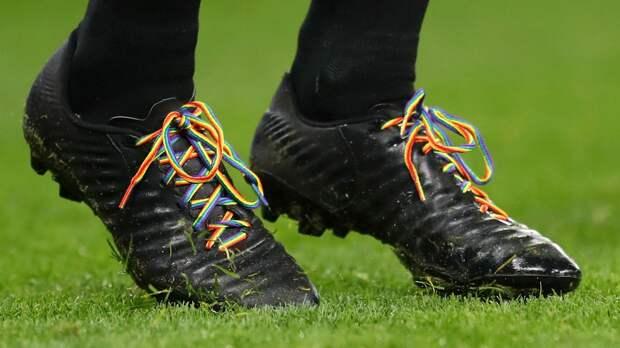 «Футбол не готов к этому». Игрок-гей из клуба АПЛ написал анонимное письмо