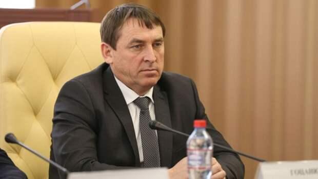 Глава Крыма ушёл в отпуск, но может его прервать