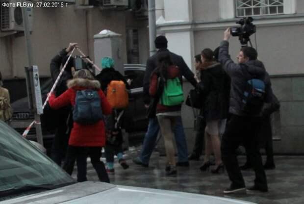 Марш Яшина с телохранителем