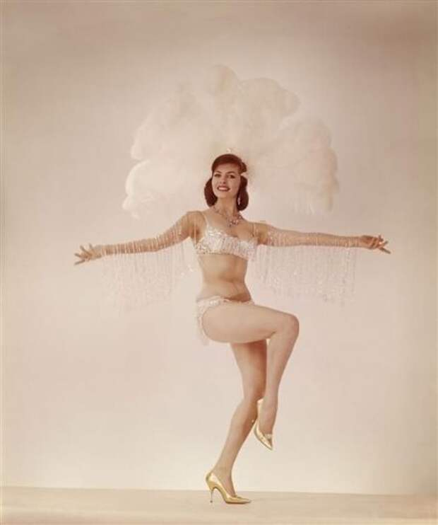 """Мишель Мерсье. Промо фото к фильму """"Старший Фершо"""". 1963 год."""