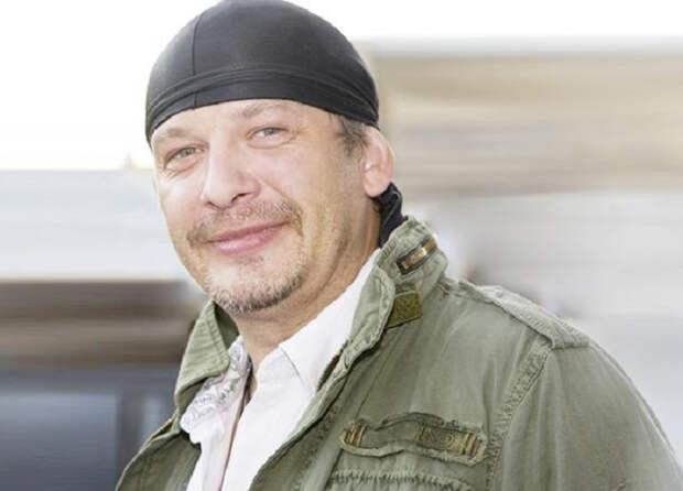 Сын актера Дмитрия Марьянова требует вернуть мачеху вернуть мотоцикл через суд
