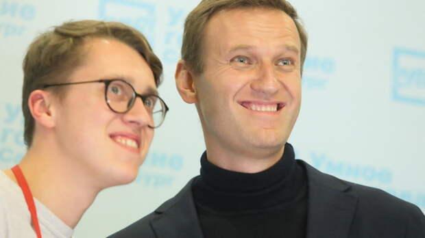 Оскорблённому Навальным ветерану вызвали скорую, когда он узнал о скандале