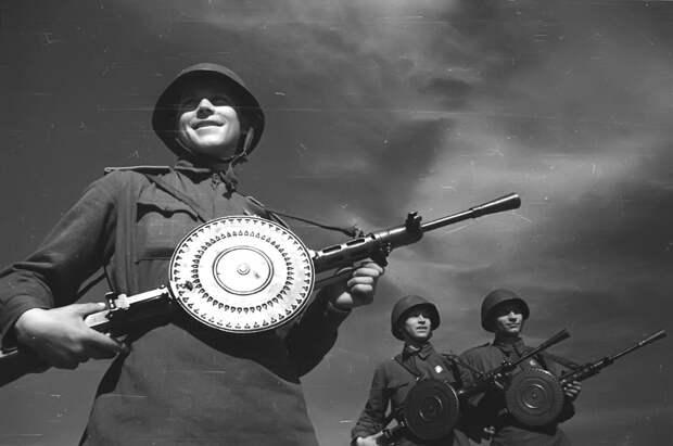 Топ-10 странных военных изобретений, которым было не суждено попасть на вооружение