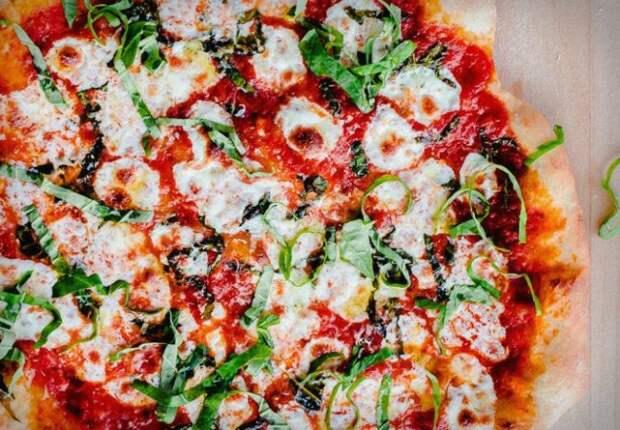 Домашняя пицца: 3 самых быстрых рецепта для дачной кухни